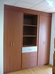 Closets dormitorio quito pichincha 126999436919 for Closet de madera para dormitorios