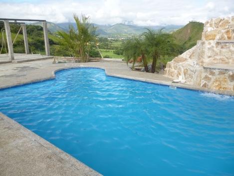 Piscinas en geomembrana liner permax guayaquil guayas for Constructores de piscinas